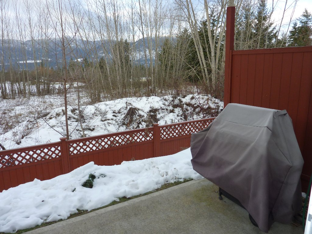 Photo 11: Photos: 10 2951 11 Avenue, NE: Salmon Arm Condo for sale (Shuswap)  : MLS®# 10019798