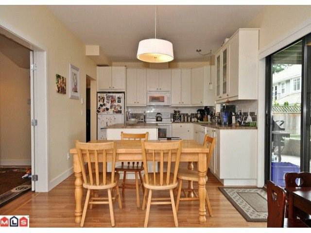 """Photo 7: Photos: 941 164 ST in Surrey: King George Corridor House for sale in """"McNally Creek"""" (South Surrey White Rock)  : MLS®# F1118797"""