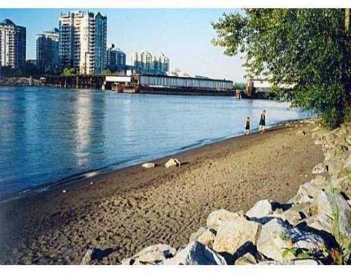 "Main Photo: 411 83 STAR Crescent in New_Westminster: Queensborough Condo for sale in ""RESIDENCE ON THE RIVER"" (New Westminster)  : MLS®# V662719"