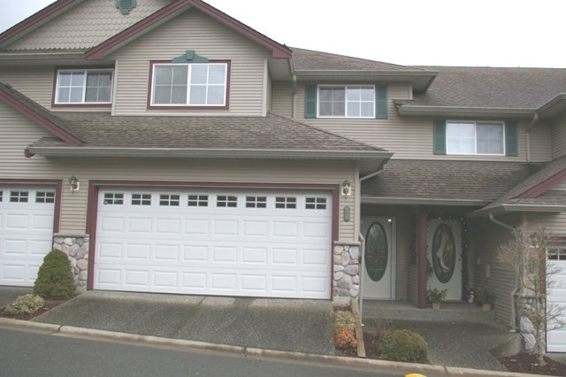 "Main Photo: 58 46360 VALLEYVIEW Road in Sardis: Promontory Townhouse for sale in ""APPLE CREEK"" : MLS®# H2800129"