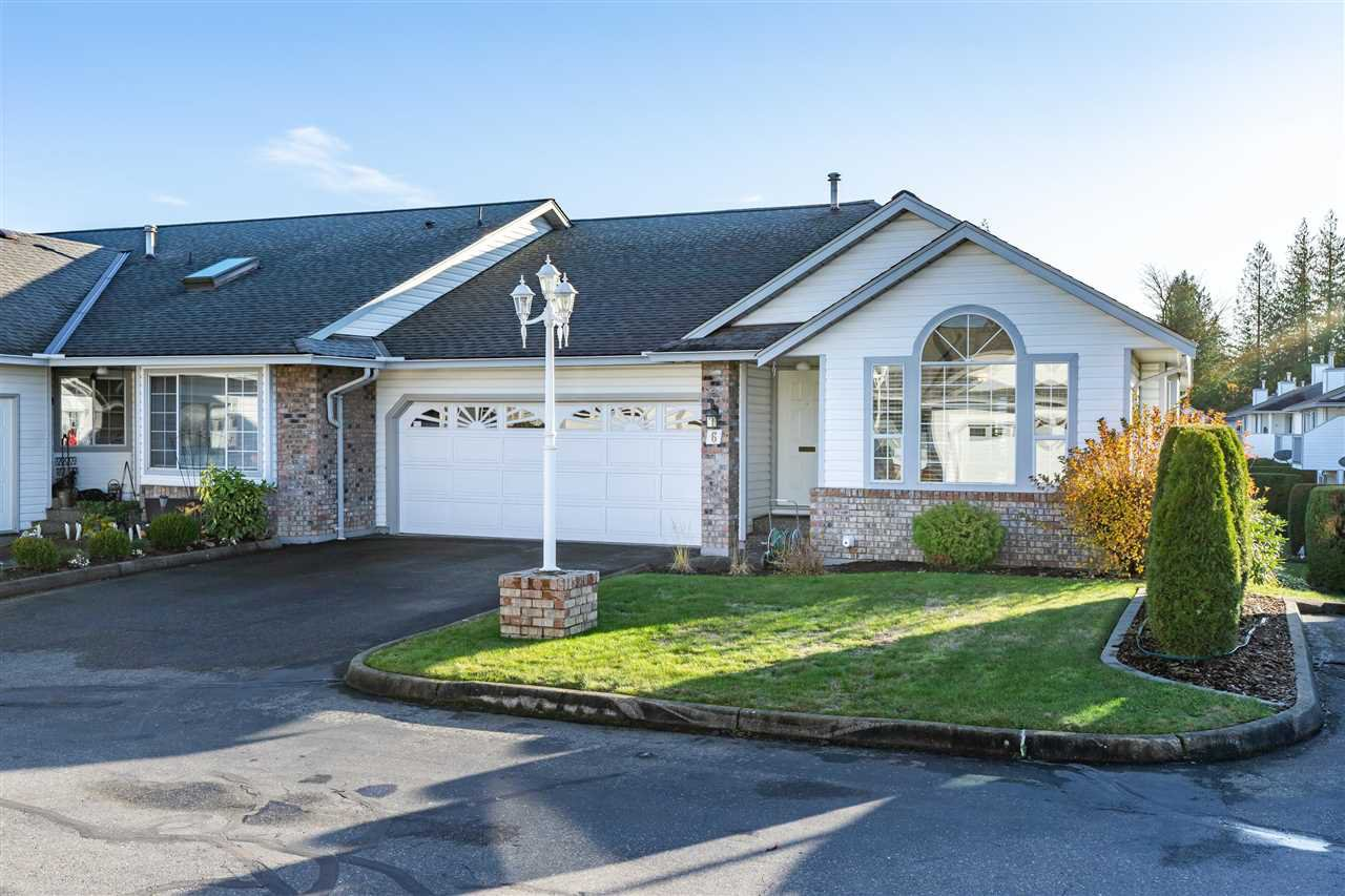 "Main Photo: 6 33922 KING Road in Abbotsford: Poplar Townhouse for sale in ""Kingsview Estates"" : MLS®# R2420349"