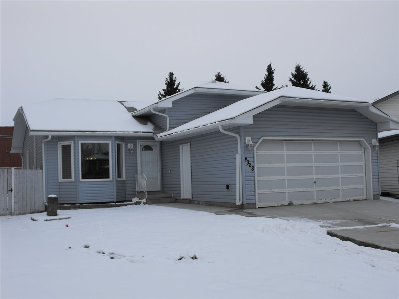 Main Photo: 4328 21 Avenue in Edmonton: Zone 29 House for sale : MLS®# E4183290