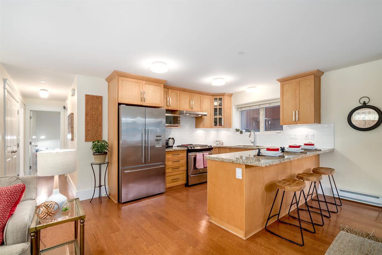 Photo 10: Photos: 1512 GRAVELEY Street in Vancouver: Grandview Woodland Townhouse for sale (Vancouver East)  : MLS®# R2457757
