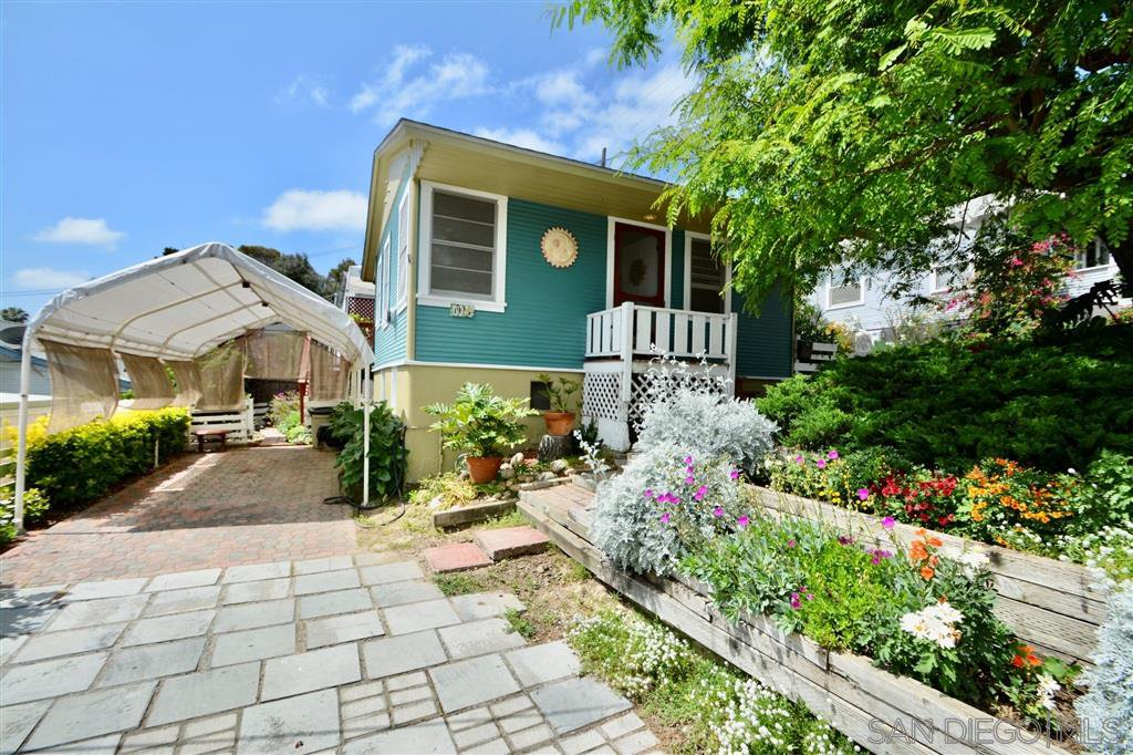 Main Photo: NORTH PARK House for sale : 1 bedrooms : 1925 Lincoln Ave in San Diego