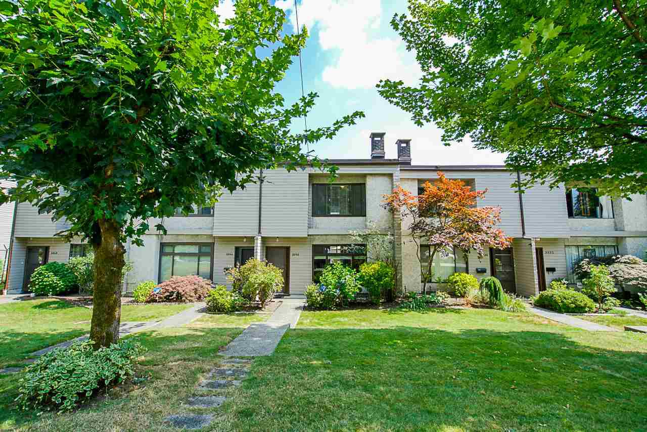 """Main Photo: 3340 VINCENT Street in Port Coquitlam: Glenwood PQ Townhouse for sale in """"Burkview"""" : MLS®# R2488086"""