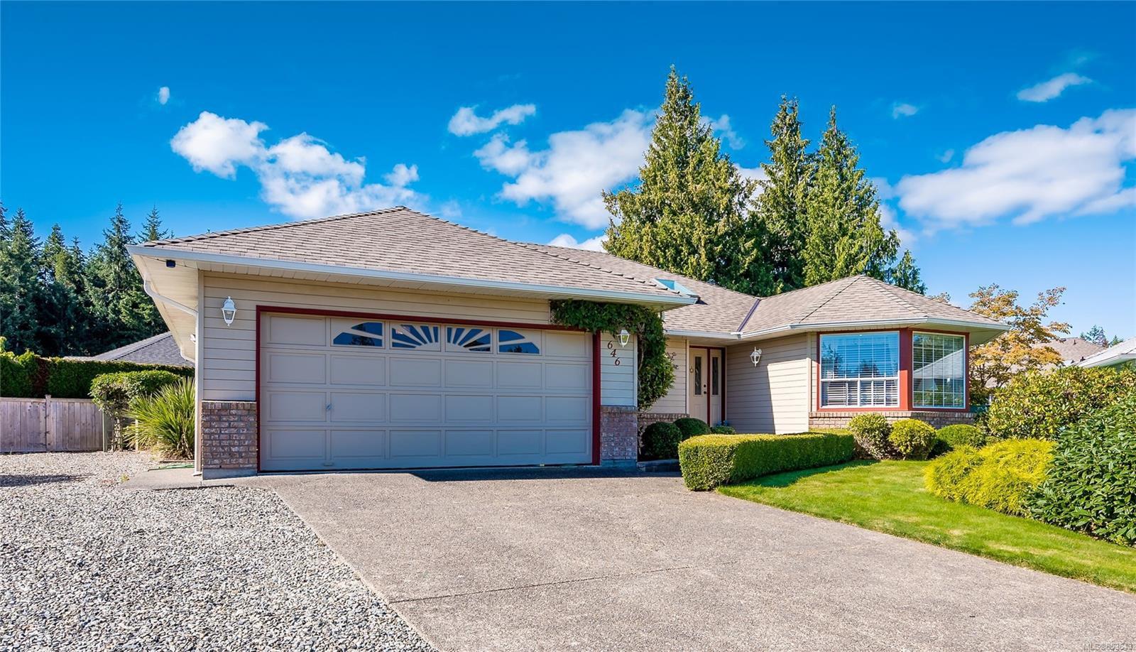 Main Photo: 646 Redwood Dr in : PQ Qualicum Beach House for sale (Parksville/Qualicum)  : MLS®# 853643