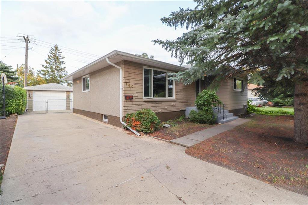 Main Photo: 160 Macaulay Crescent in Winnipeg: Residential for sale (3F)  : MLS®# 202023378