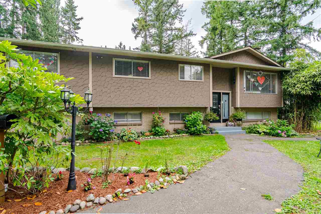 "Main Photo: 3991 208 Street in Langley: Brookswood Langley House for sale in ""Brookswood"" : MLS®# R2498245"