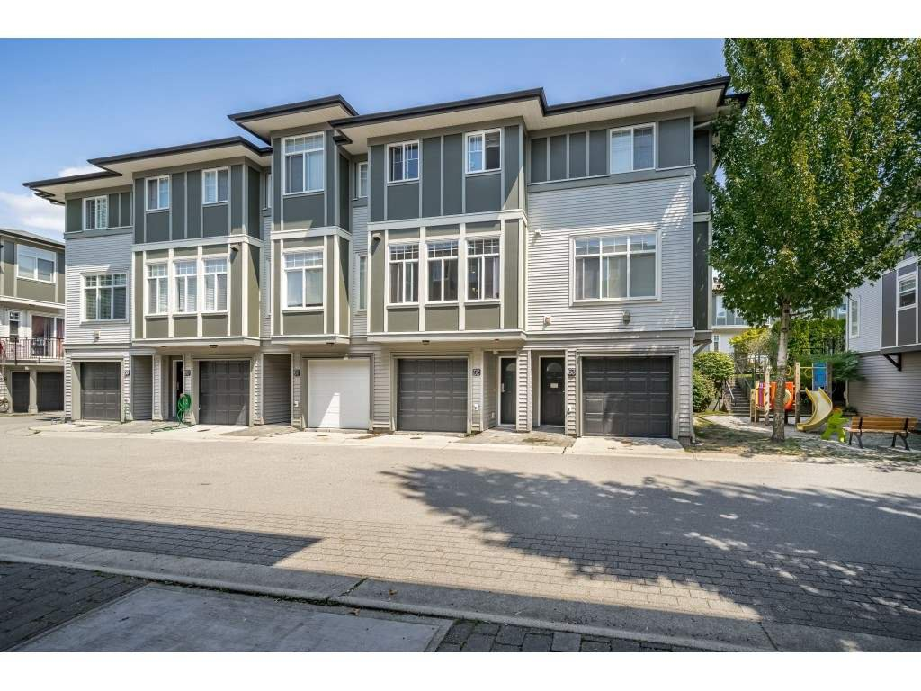 """Main Photo: 62 1010 EWEN Avenue in New Westminster: Queensborough Townhouse for sale in """"WINDSOR MEWS"""" : MLS®# R2393128"""
