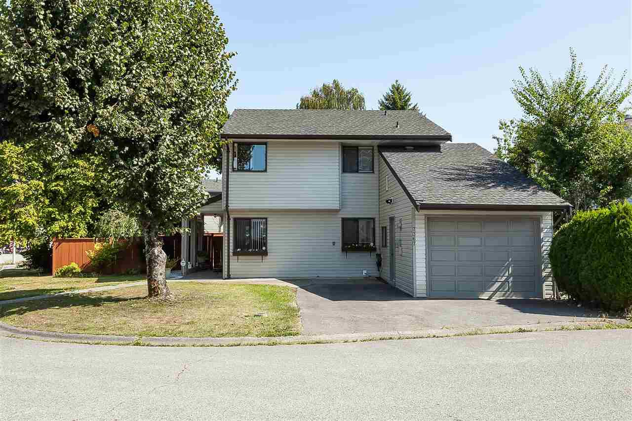 Main Photo: 7367 129 Street in Surrey: West Newton House for sale : MLS®# R2397468
