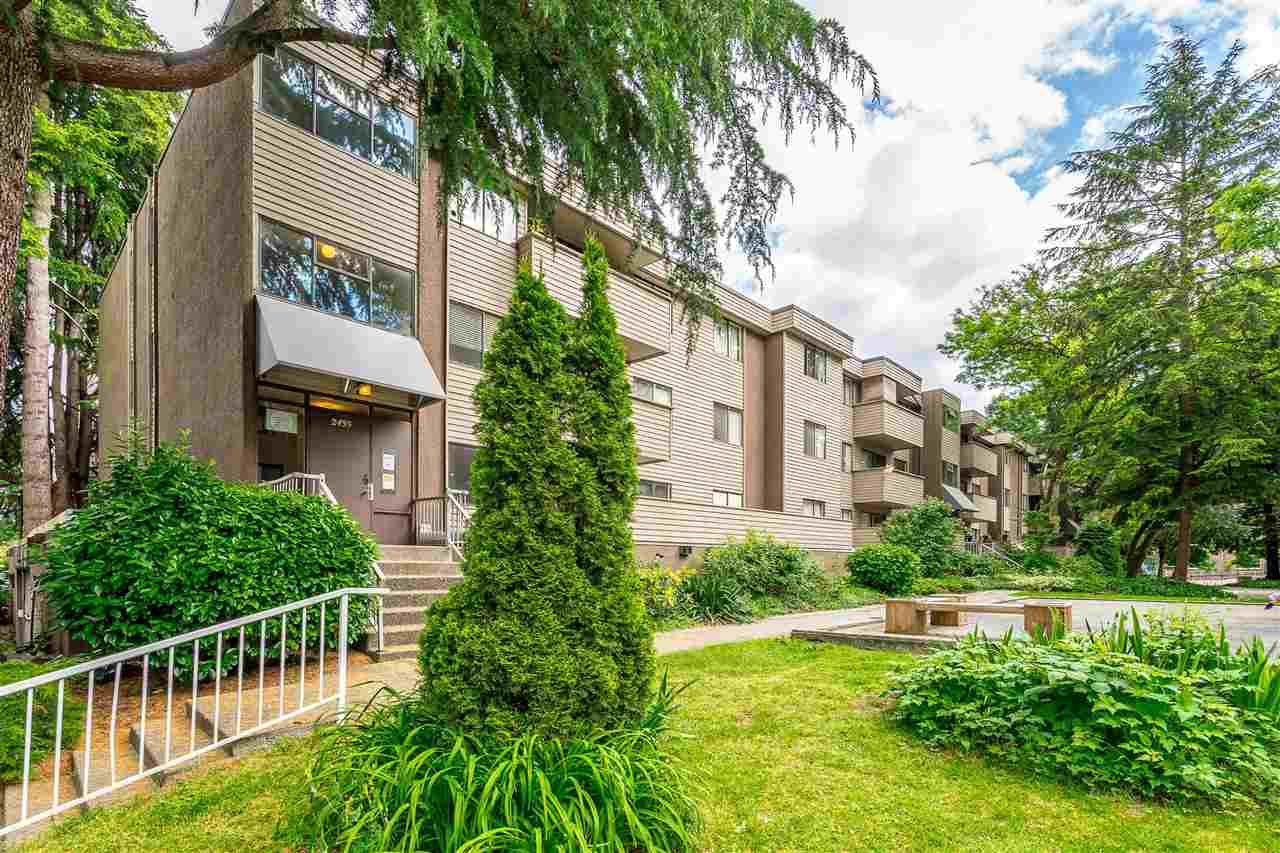 Main Photo: 22 2433 KELLY Avenue in Port Coquitlam: Central Pt Coquitlam Condo for sale : MLS®# R2461965