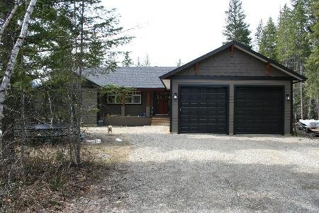 Main Photo: 1201 Jordan Way: Scotch Creek Residential Detached for sale (North Shore, Shuswap Lake)  : MLS®# 9203230