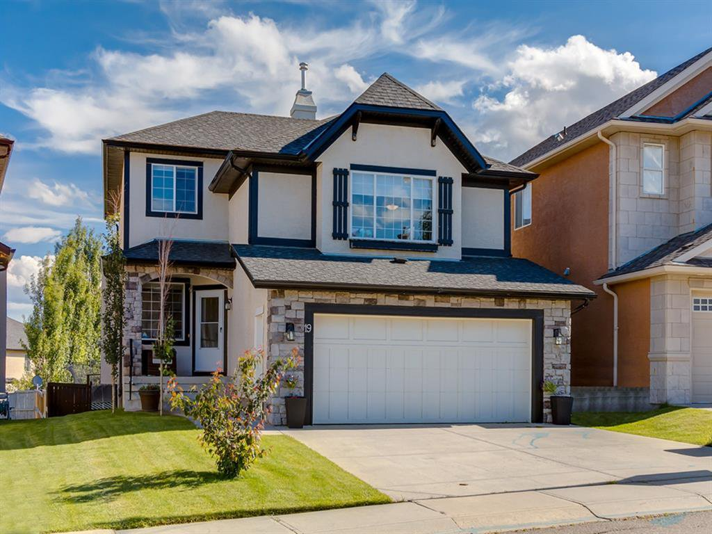 Main Photo: 19 SHERWOOD Circle NW in Calgary: Sherwood Detached for sale : MLS®# A1012000