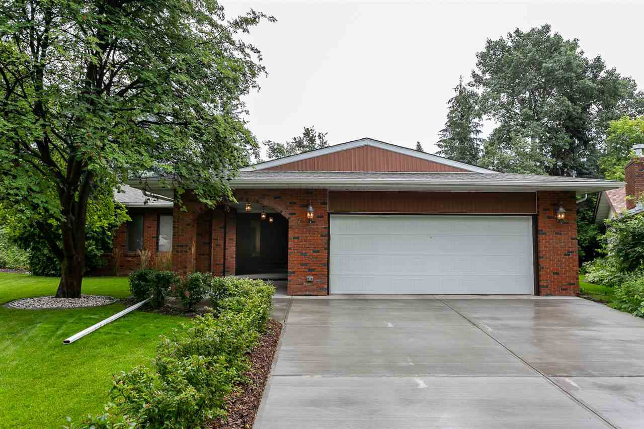 Main Photo: 7 GREEN LEES Place: St. Albert House for sale : MLS®# E4209693