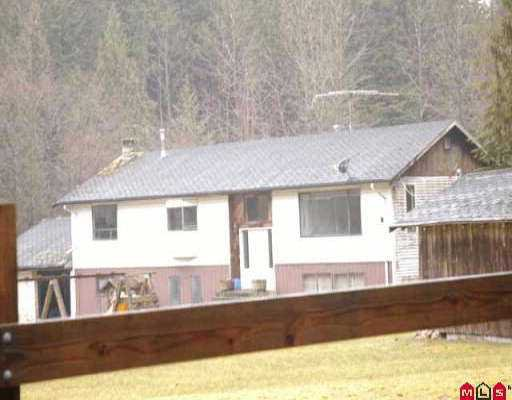 Main Photo: 32448 DEWDNEY TRK RD in Mission: Mission BC House for sale : MLS®# F2527015