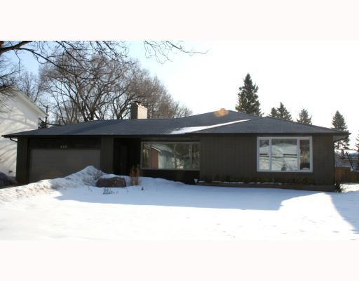 Main Photo: 423 KELVIN Boulevard in WINNIPEG: River Heights / Tuxedo / Linden Woods Residential for sale (South Winnipeg)  : MLS®# 2804138