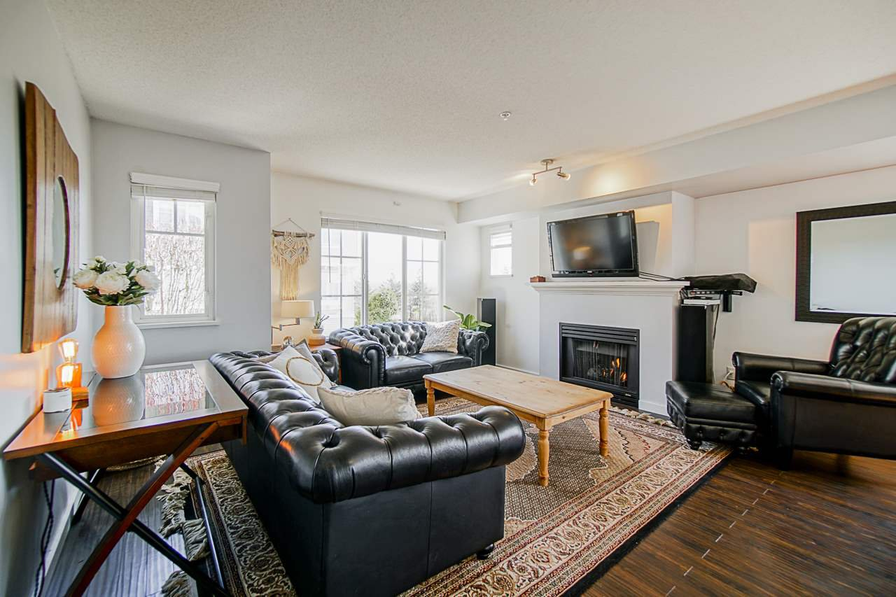 """Main Photo: 37 20560 66 Avenue in Langley: Willoughby Heights Townhouse for sale in """"AMBERLEIGH"""" : MLS®# R2445990"""
