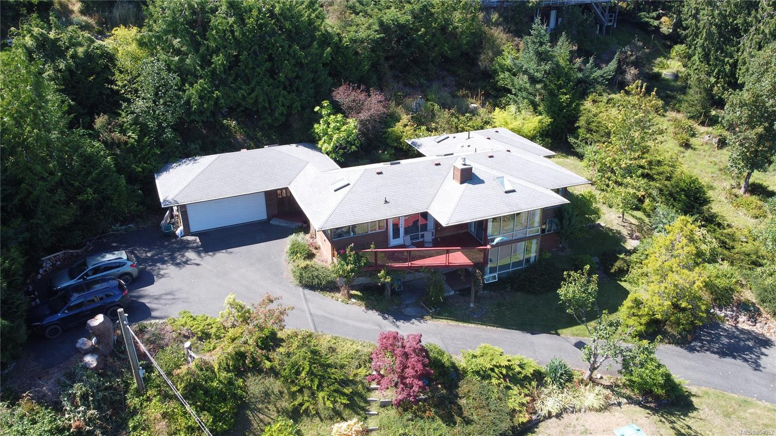 Main Photo: 151 Devine Dr in : GI Salt Spring House for sale (Gulf Islands)  : MLS®# 854052