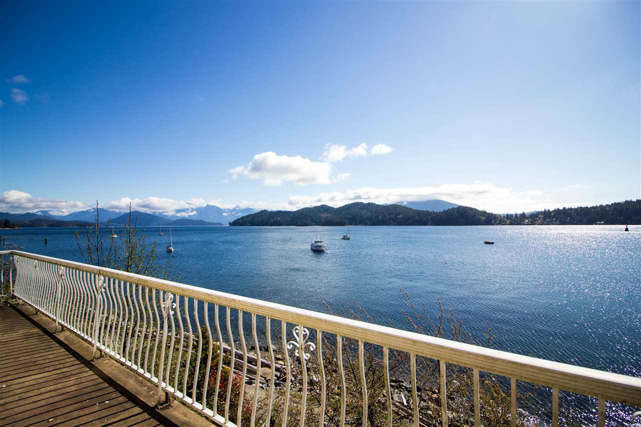 Main Photo: 462 MARINE DRIVE in Gibsons: Gibsons & Area House for sale (Sunshine Coast)  : MLS®# R2457861