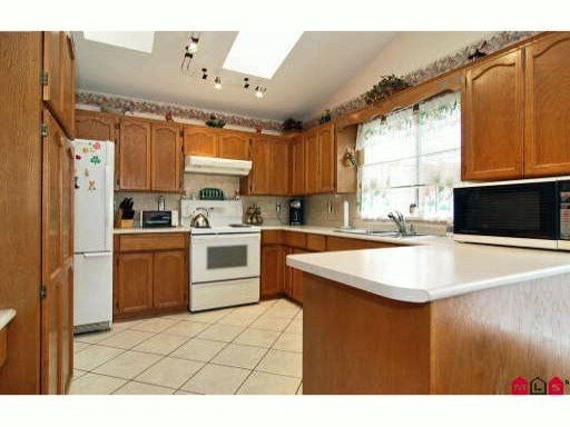 Photo 8: Photos: 18249 54th Avenue in Cloverdale: House for sale : MLS®# F2922810