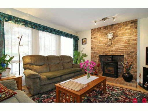 Photo 5: Photos: 18249 54th Avenue in Cloverdale: House for sale : MLS®# F2922810