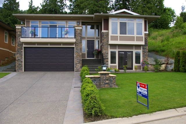 Main Photo: 214 51075 FALLS Court in Chilliwack: Eastern Hillsides House for sale : MLS®# H2702611