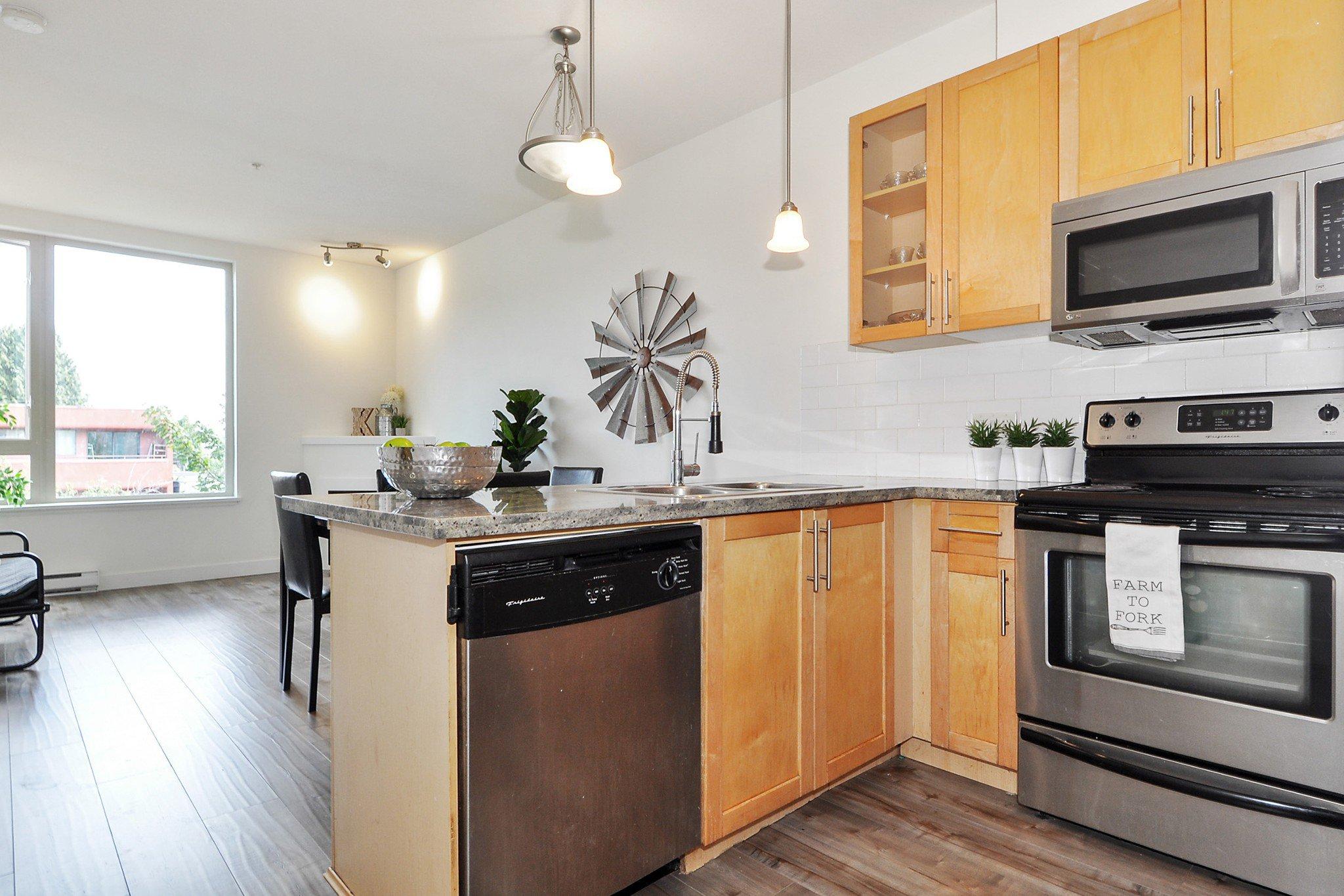 "Photo 9: Photos: 302 688 E 17TH Avenue in Vancouver: Fraser VE Condo for sale in ""MONDELLA"" (Vancouver East)  : MLS®# R2403902"