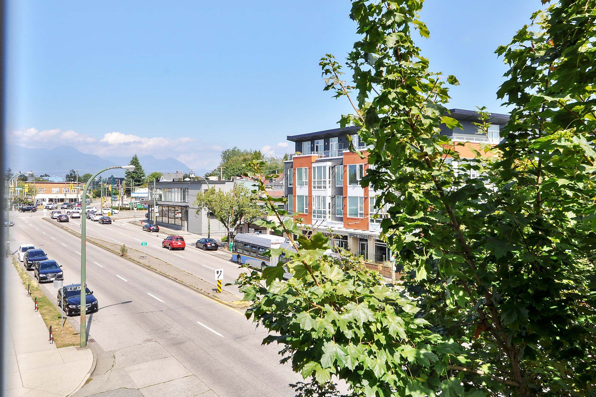 "Photo 16: Photos: 302 688 E 17TH Avenue in Vancouver: Fraser VE Condo for sale in ""MONDELLA"" (Vancouver East)  : MLS®# R2403902"