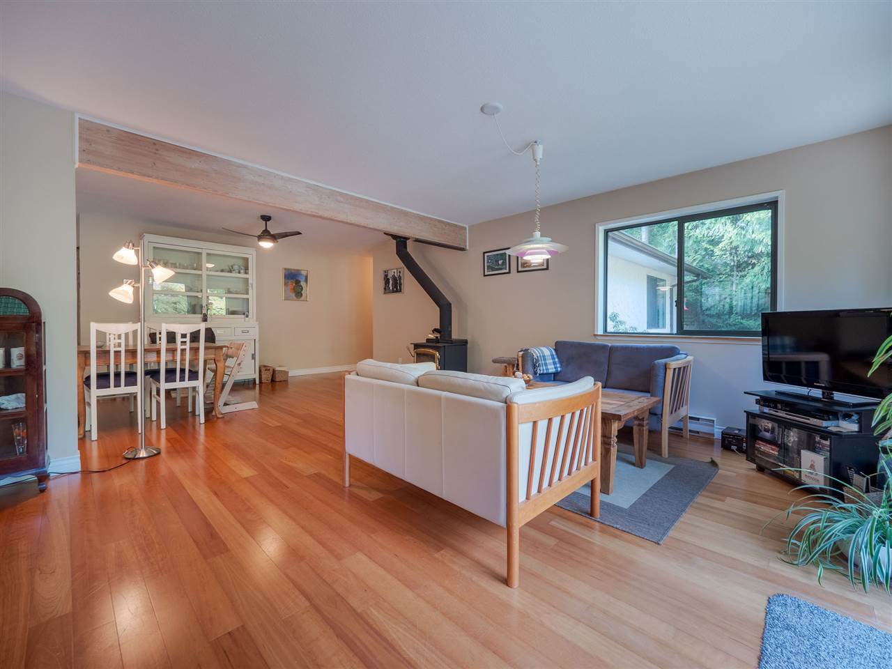 """Photo 3: Photos: 7980 COOPER Road in Halfmoon Bay: Halfmn Bay Secret Cv Redroofs House for sale in """"WELCOME WOODS"""" (Sunshine Coast)  : MLS®# R2427808"""