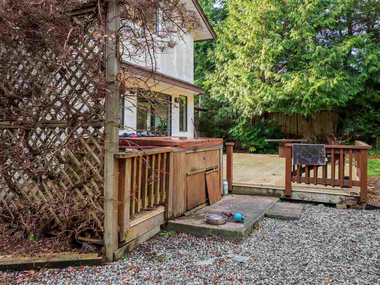 """Photo 18: Photos: 7980 COOPER Road in Halfmoon Bay: Halfmn Bay Secret Cv Redroofs House for sale in """"WELCOME WOODS"""" (Sunshine Coast)  : MLS®# R2427808"""