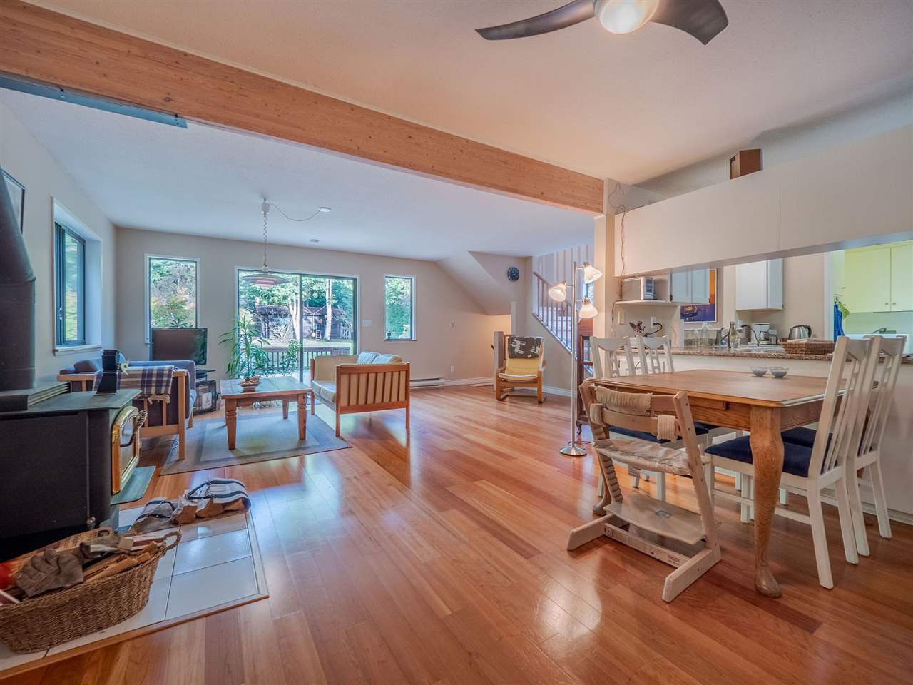 """Photo 2: Photos: 7980 COOPER Road in Halfmoon Bay: Halfmn Bay Secret Cv Redroofs House for sale in """"WELCOME WOODS"""" (Sunshine Coast)  : MLS®# R2427808"""