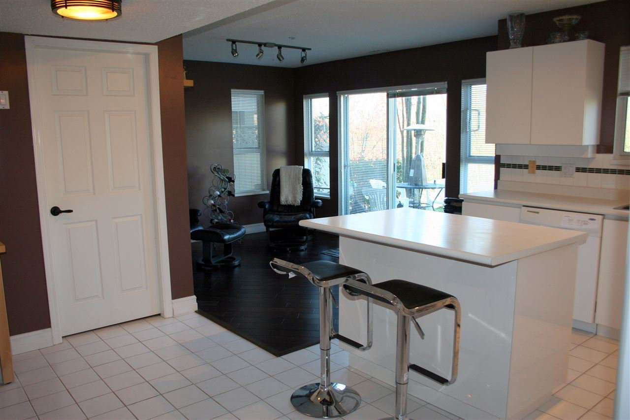 """Photo 3: Photos: 1161 O'FLAHERTY Gate in Port Coquitlam: Citadel PQ Townhouse for sale in """"THE SUMMIT"""" : MLS®# R2432486"""