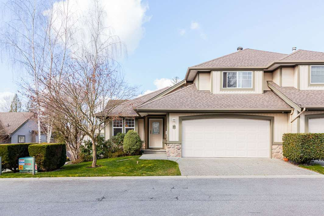 "Main Photo: 17 23281 KANAKA Way in Maple Ridge: Cottonwood MR Townhouse for sale in ""WOOD RIDGE ESTATES"" : MLS®# R2444660"