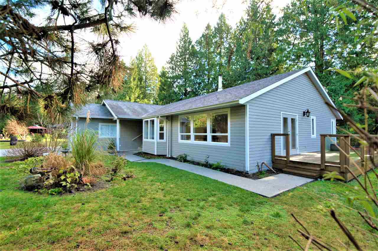 Main Photo: 3333 RICHARDS Road: Roberts Creek House for sale (Sunshine Coast)  : MLS®# R2526196