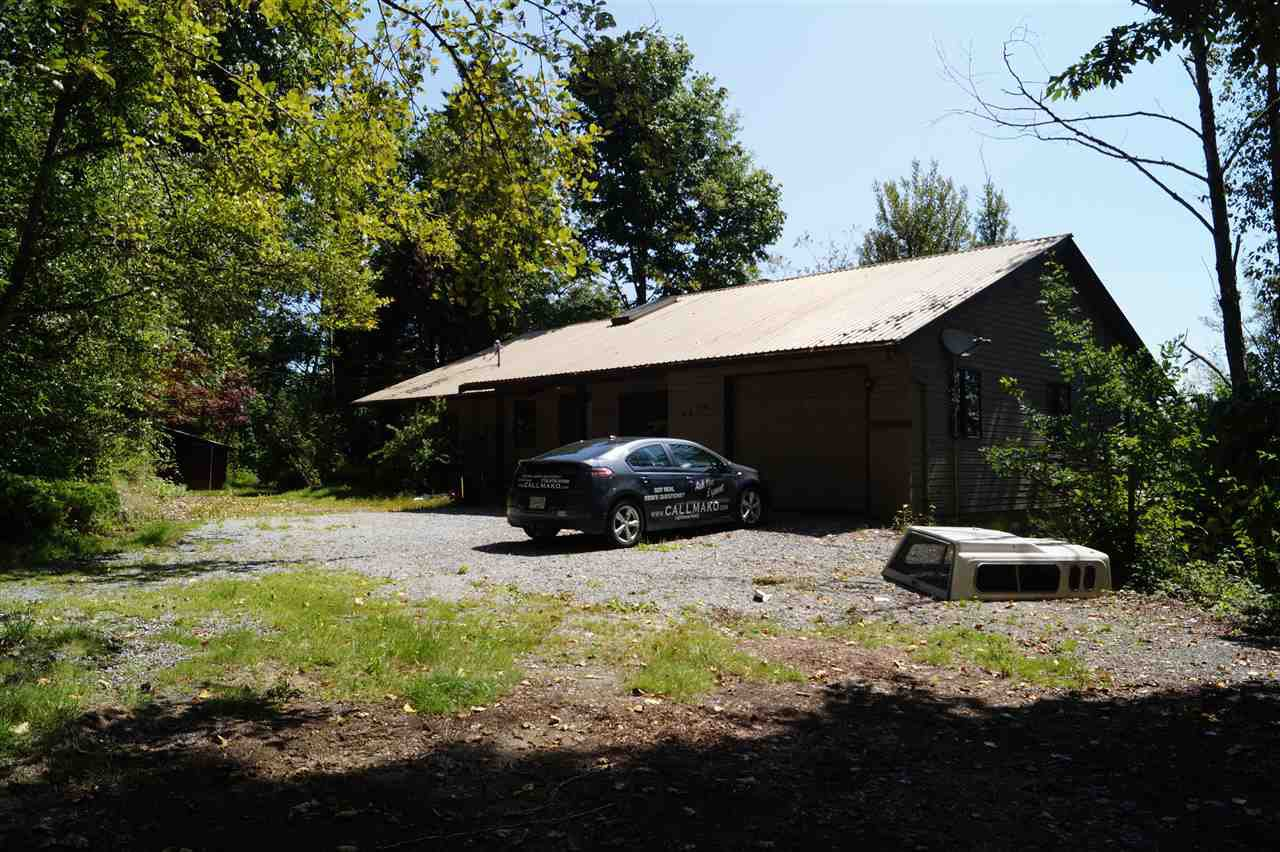 Main Photo: 9474 MONTE VISTA Street in Mission: Mission BC House for sale : MLS®# R2392578