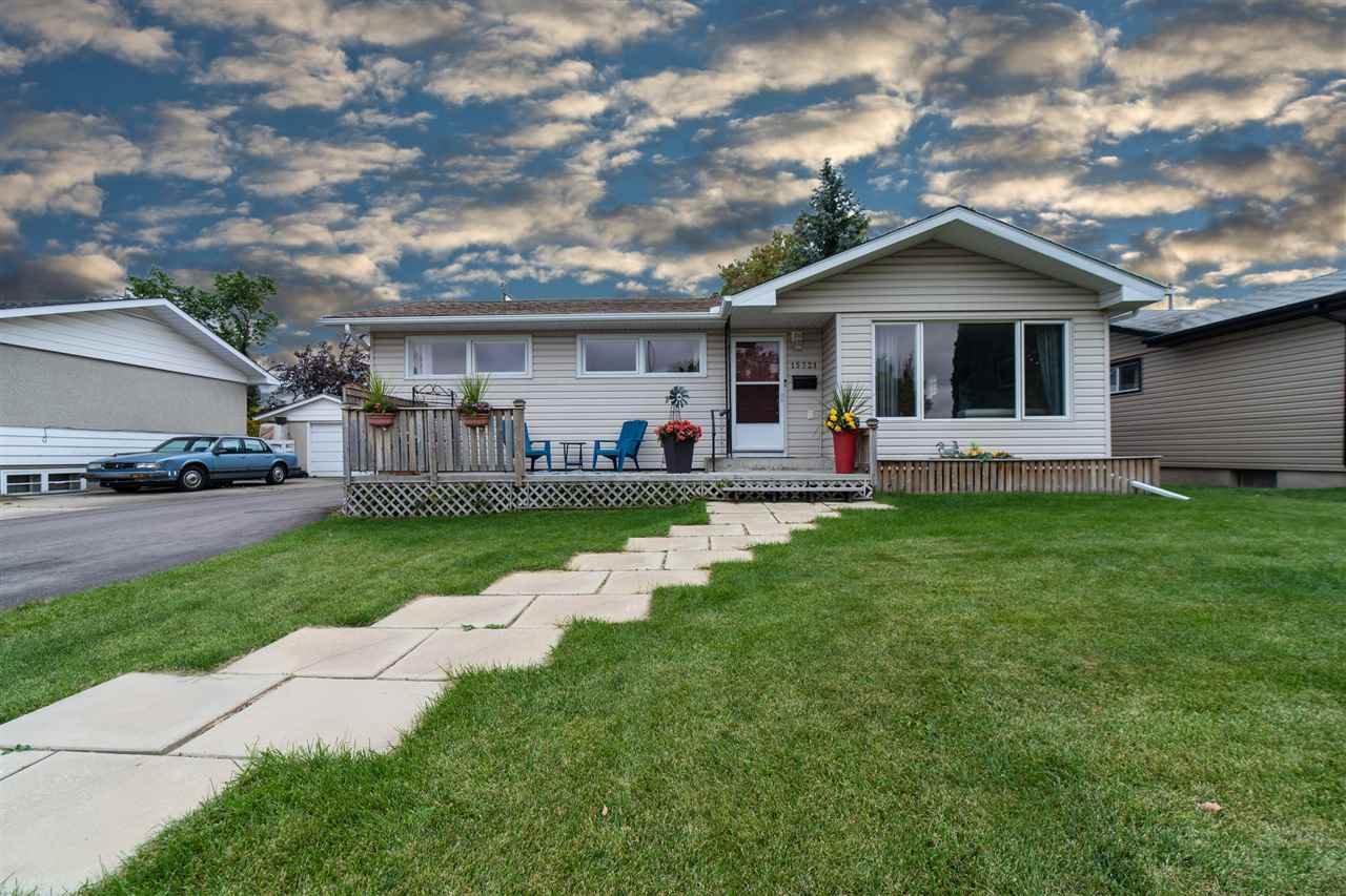 Main Photo: 15721 95 Avenue in Edmonton: Zone 22 House for sale : MLS®# E4214033
