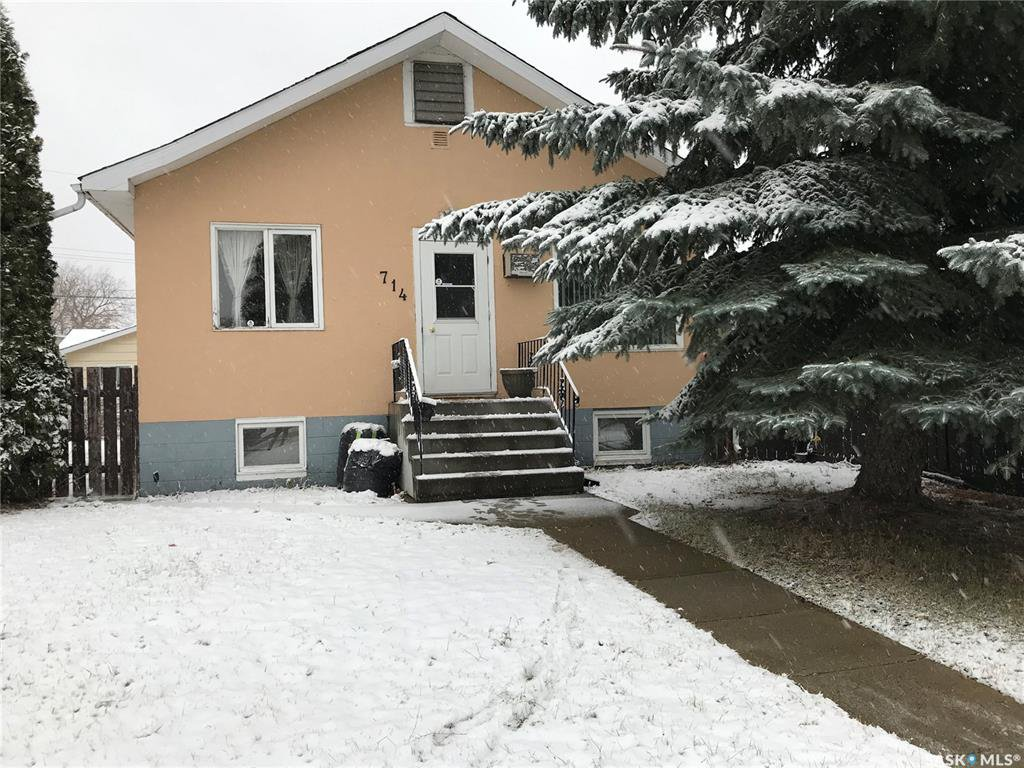 Main Photo: 714 N Avenue South in Saskatoon: King George Residential for sale : MLS®# SK833269