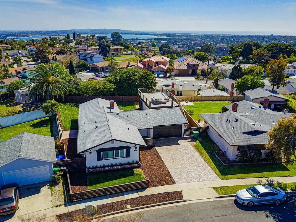Main Photo: BAY PARK House for sale : 4 bedrooms : 3353 Fox Pl in San Diego