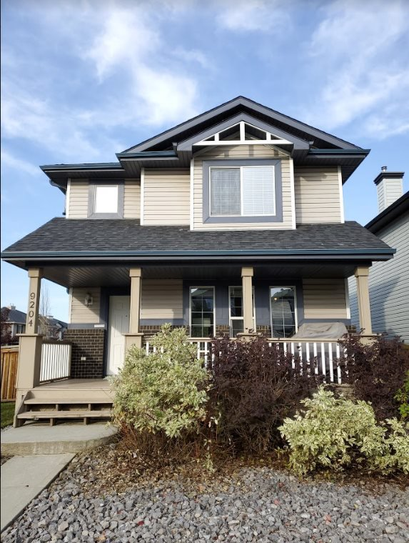Main Photo: 9204 SCOTT Lane in Edmonton: Zone 14 House for sale : MLS®# E4214476