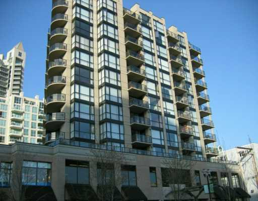 "Main Photo: 303 124 W 1ST ST in North Vancouver: Lower Lonsdale Condo for sale in ""THE 'Q'"" : MLS®# V586942"