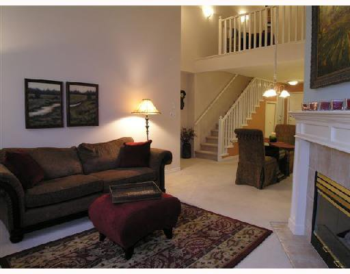 """Photo 3: Photos: 308 1140 STRATHAVEN Drive in North_Vancouver: Northlands Condo for sale in """"STRATHAVEN"""" (North Vancouver)  : MLS®# V680038"""
