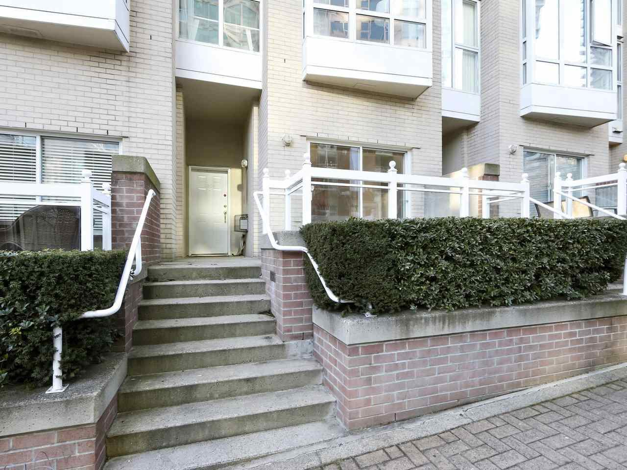 Main Photo: 1509 HORNBY Street in Vancouver: Yaletown Townhouse for sale (Vancouver West)  : MLS®# R2444707