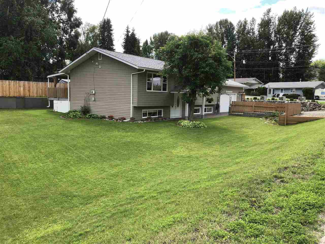 Photo 3: Photos: 1270 LEWIS Drive in Quesnel: Quesnel - Town House for sale (Quesnel (Zone 28))  : MLS®# R2478328