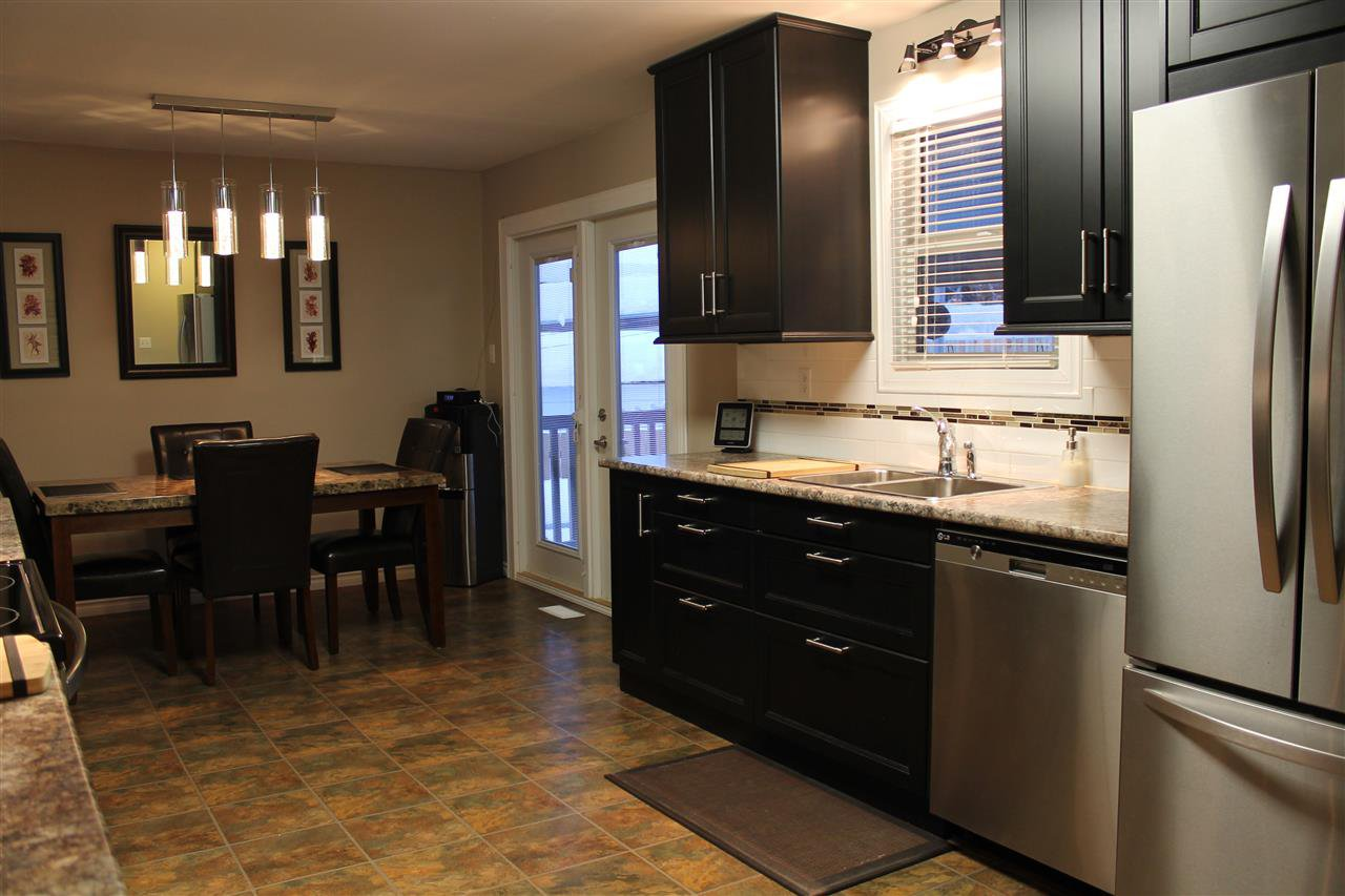 Photo 11: Photos: 1270 LEWIS Drive in Quesnel: Quesnel - Town House for sale (Quesnel (Zone 28))  : MLS®# R2478328