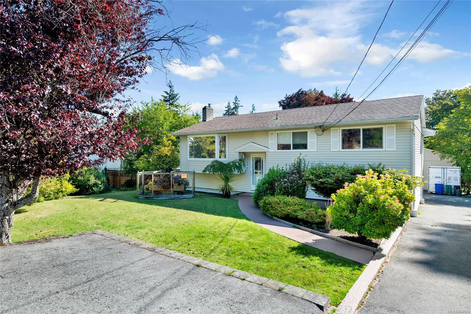 Main Photo: 3096 Rock City Rd in : Na Departure Bay Single Family Detached for sale (Nanaimo)  : MLS®# 854083