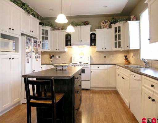 "Photo 2: Photos: 18961 68A AV in Surrey: Clayton House for sale in ""CLAYTON"" (Cloverdale)  : MLS®# F2523742"