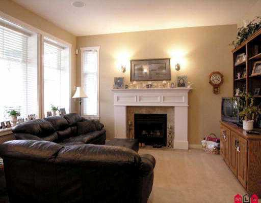 "Photo 3: Photos: 18961 68A AV in Surrey: Clayton House for sale in ""CLAYTON"" (Cloverdale)  : MLS®# F2523742"