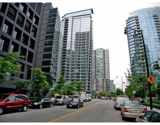 """Main Photo: 501 1205 W HASTINGS Street in Vancouver: Coal Harbour Condo for sale in """"CIELO"""" (Vancouver West)  : MLS®# V677852"""