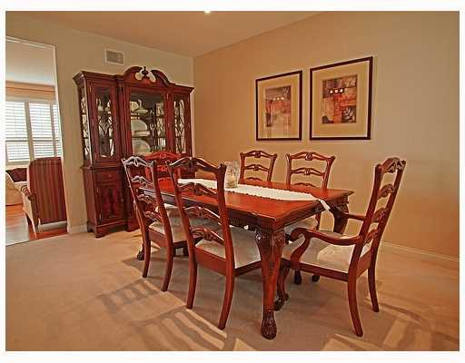 """Photo 3: Photos: 203 1465 PARKWAY Boulevard in Coquitlam: Westwood Plateau Townhouse for sale in """"SILVER OAK"""" : MLS®# V702547"""