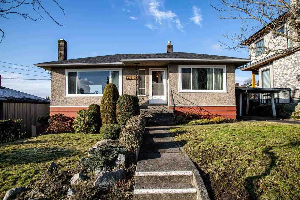 Main Photo: 7957 STRATHEARN Avenue in Burnaby: South Slope House for sale (Burnaby South)  : MLS®# R2428419